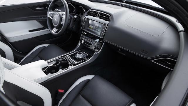 Xe Jaguar XE phiên bản 2017-013