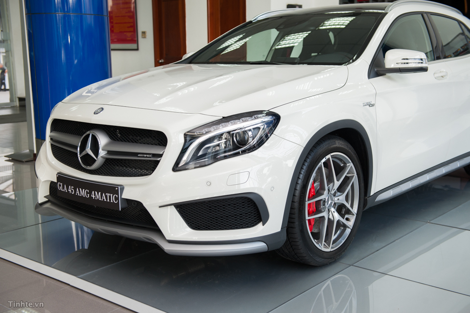 xe Mercedes Benz GLA45 AMG 4Matic New Model 04