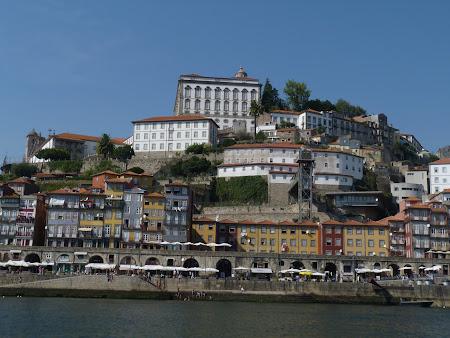 Porto vazut de pe rau