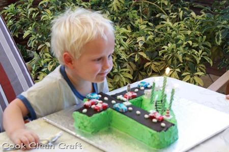 Number 4 Birthday Cake (4)