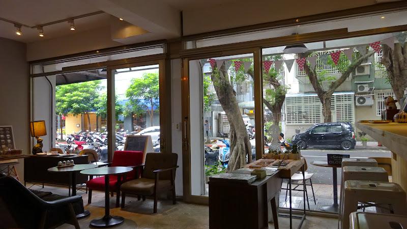 從勺子 spoon goods & cafe 另一邊看出去.JPG