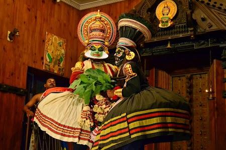 Traditii India - dans Kathakali, Kerala