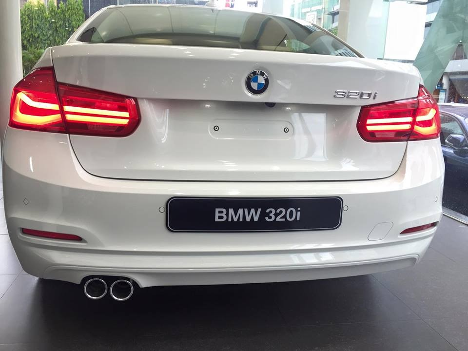 Xe BMW 320i new model 07