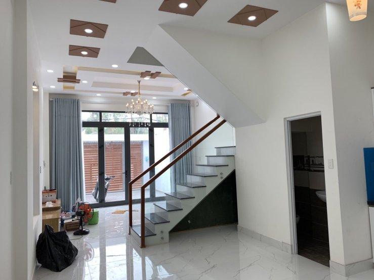 Bán nhà chính chủ phường Trường Thọ Quận Thủ Đức, hẻm 2 xe tải, nhà 1 trệt 2 lầu 4 phòng ngủ diện tích 87,5 m2, giá 5,99 tỷ-5