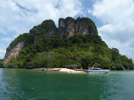 Frumuseti Thailanda: plaja putin frecventata Thailanda