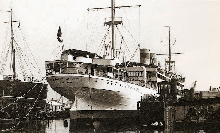 En el dique flotante y deponente de los astilleros Vulcano. Barcelona. Fecha indeterminada. Del libro Todo Avante.jpg