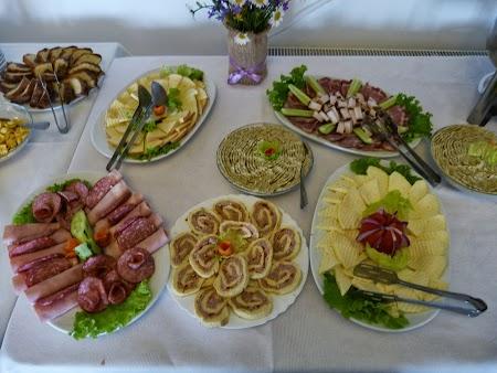 Mic dejun la Casa Boiereasca
