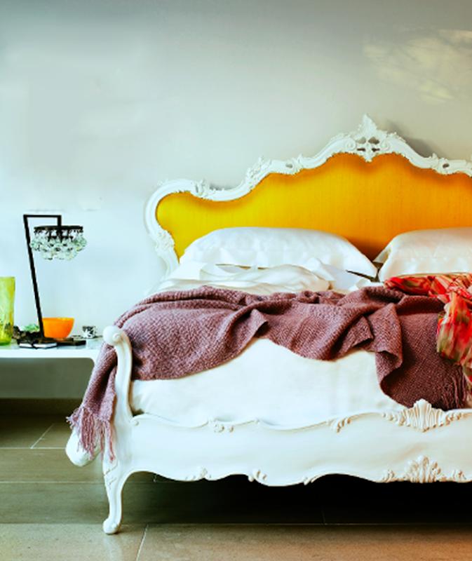 Cabeceira da cama amarela