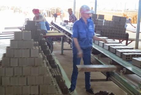 Dây chuyền sản xuất gạch của Công ty Mỹ Xuân