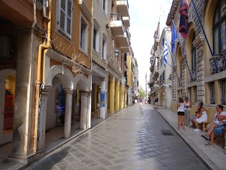 37. Strada centrala din Corfu.JPG
