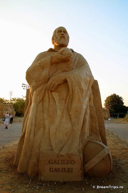 sculpturi nisip Burgas Galileo Galilei.JPG