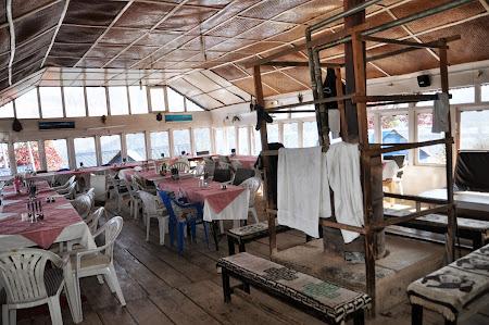 Trekking in Nepal: sala de mese la hotelul din Ghorepani