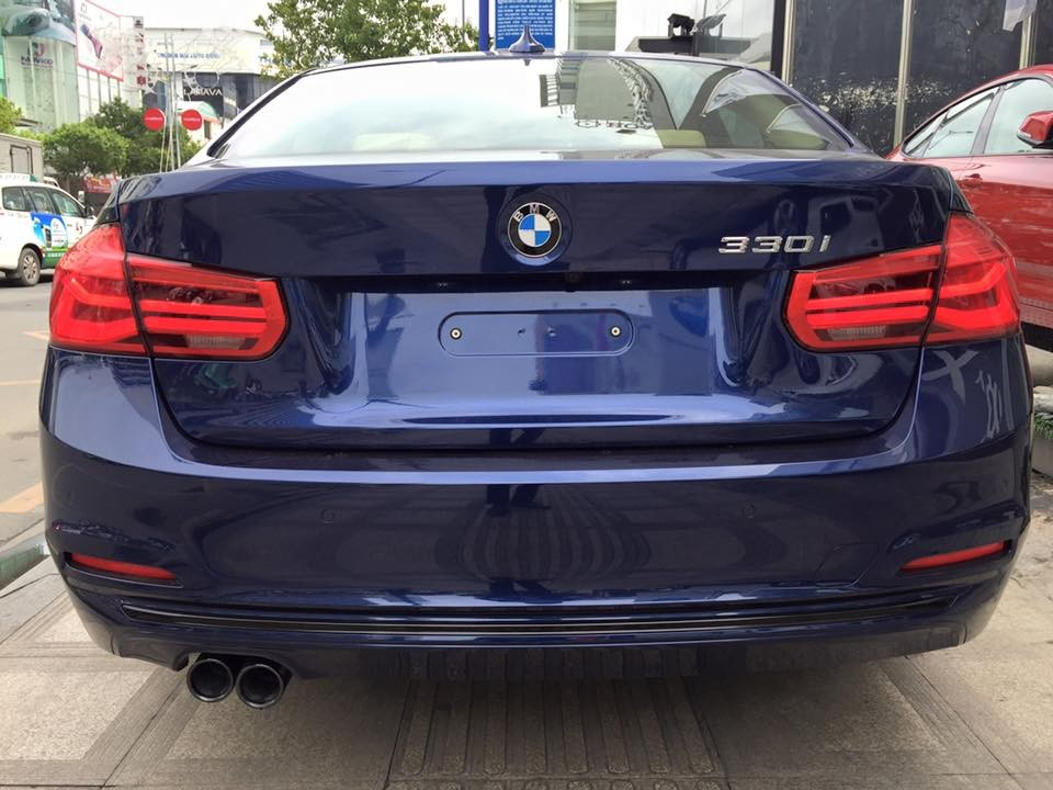 Xe BMW 330i new model 06