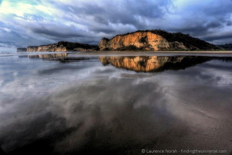 Canoa cliff reflections ecuador