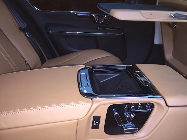 Xe Jaguar XJL Premium Luxury LWB màu đen 08