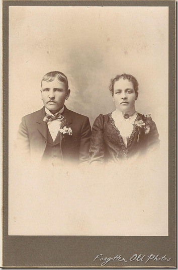 Cabinet Card Happy Wedded couple Duluth