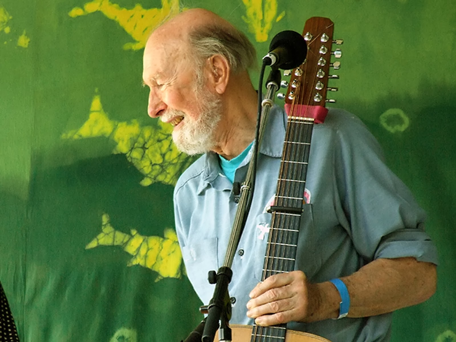Pete Seeger Quotes - Education vs Experience - [03May1919 - 27Jan2014] #Quoterian by Vikrmn CA Vikam Verma