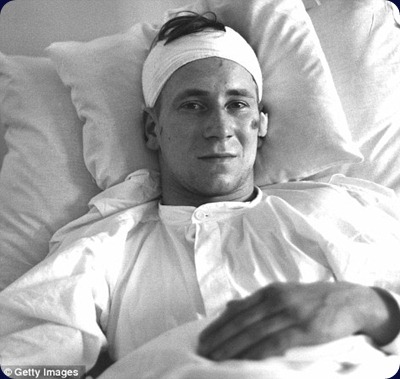 bobby-charlton-lies-in-a-munich-hospital