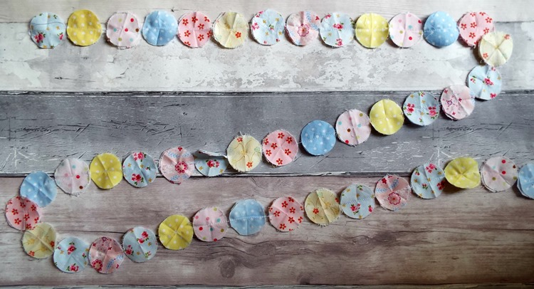 How to make a fabric confetti garland sewn up