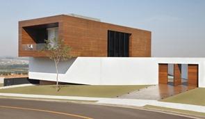 Fachada-minimalista-Casa-LA-arquitecto-Guilherme-Torres