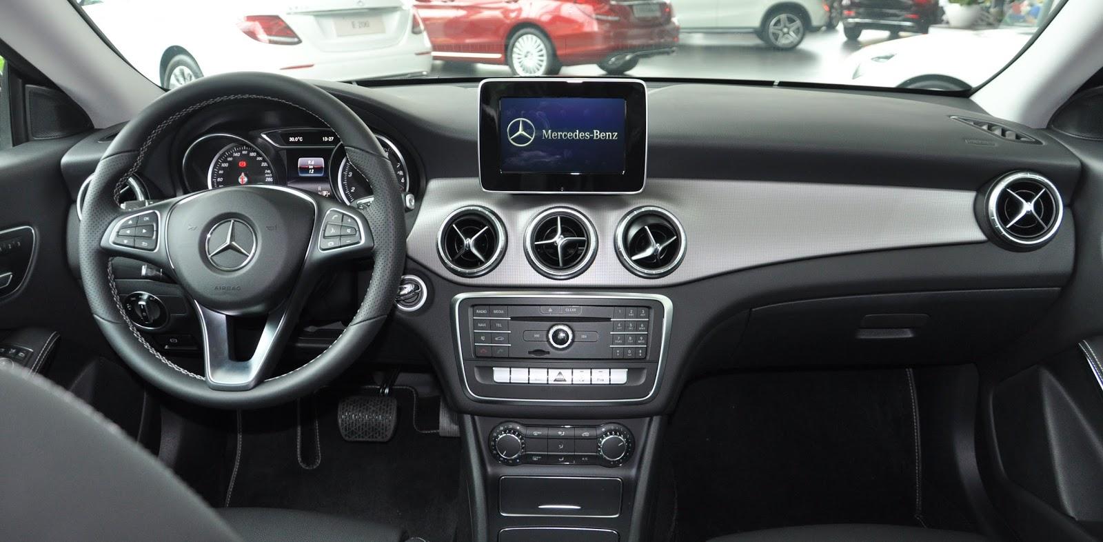 Nội thất xe Mercedes Benz CLA 200 New Model màu nâu 02