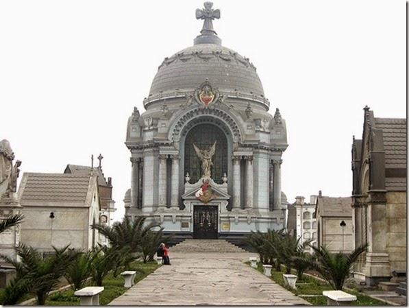 Cripta de los Héroes en el Presbítero Maestro