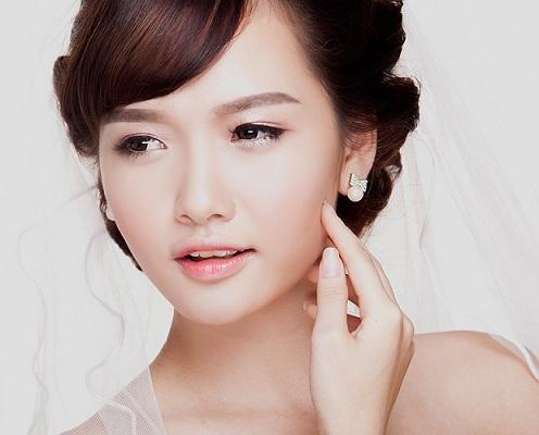 Bí quyết trang điểm đẹp rạng ngời với kem CC Cream Ohui