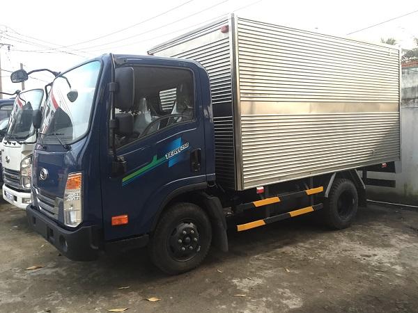 Xe tải 2,5 tấn Daehan 250 thùng kín