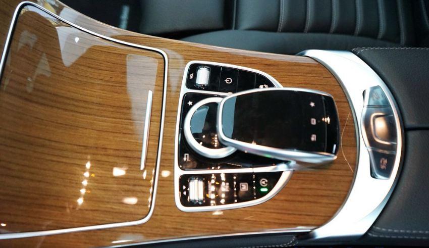Nội thất xe Mercedes GLC 250 4Matic 011