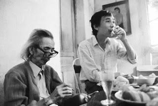 """Dù ông Thanh Thảo và ông Văn Cao trước đây thỉnh thoảng có gặp nhau nhưng họ chỉ uống rượu mỗi người một kiểu chứ chẳng có """"âm mưu"""" gì đâu."""