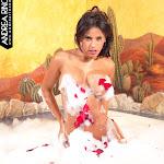 Andrea Rincon, Selena Spice Galeria 41 : Relajacion, Petalos De Rosa y Espuma En El Jacuzzi – AndreaRincon.com Foto 11