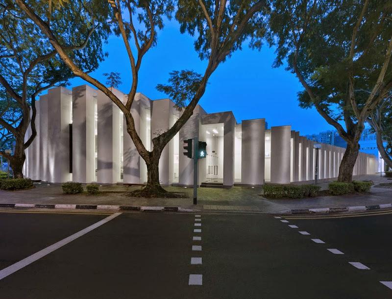 01-uol-edge-gallery-ministry-of-design.jpg