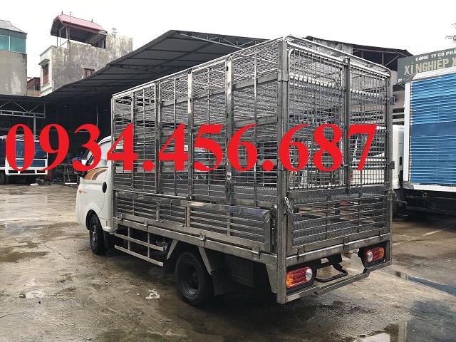 Hyundai H150 thùng chở gia cầm