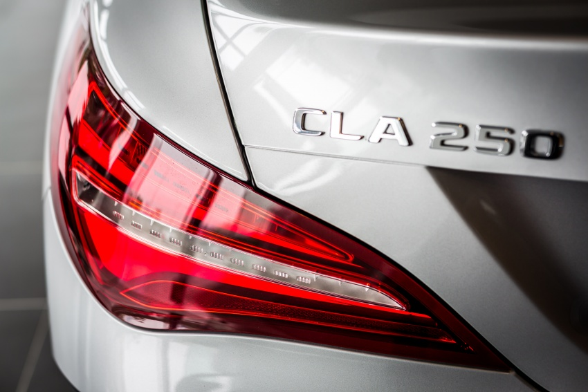Xe Mercedes Benz CLA250 4Matic 05