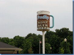4458 Indiana - Valparaiso, IN - Lincoln Highway (State Route 2)(Laporte Ave) - FrosTop Root Beer sign