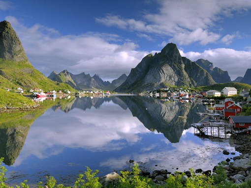 reine-lofoten-norway-wallpaper