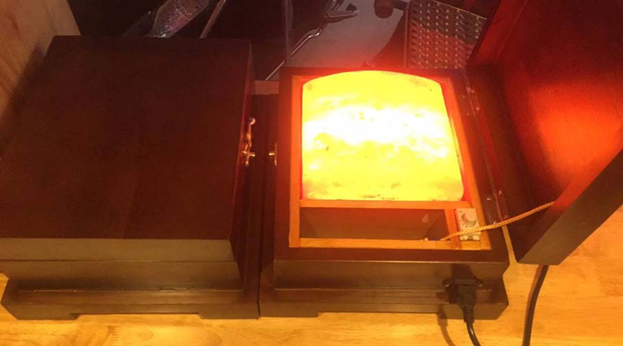 Hộp đèn đá muối Himalaya Massage chân Mặt Cong VIP
