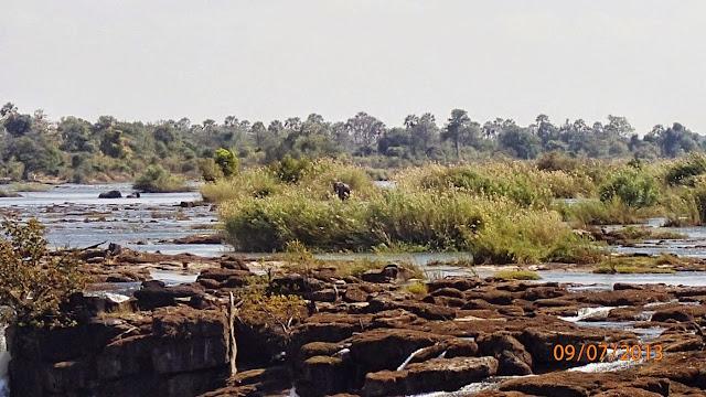 Victoria Falls ZA 051.JPG