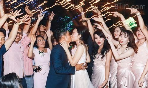 Tổ chức đám cưới tại quán cafe là một ý tưởng rất hay ho.