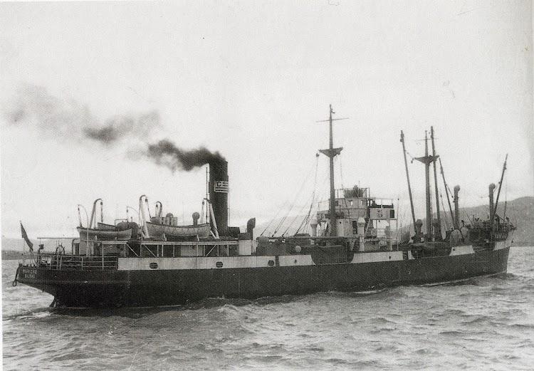 El MARICHU navegando. Fecha indeterminada. Foto del libro La Marina Mercante en el País Vasco. (1960-1990).jpg