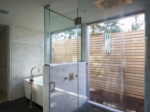 Bañera-de-diseño-Residencia-Seaside-por-Stelle-Lomont-Rouhani-Arquitectos