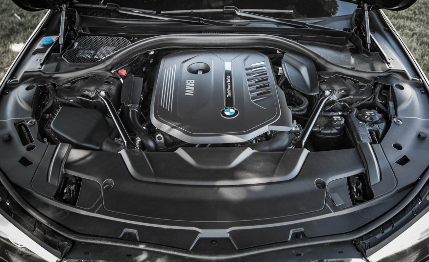 Xe BMW 730Li 05