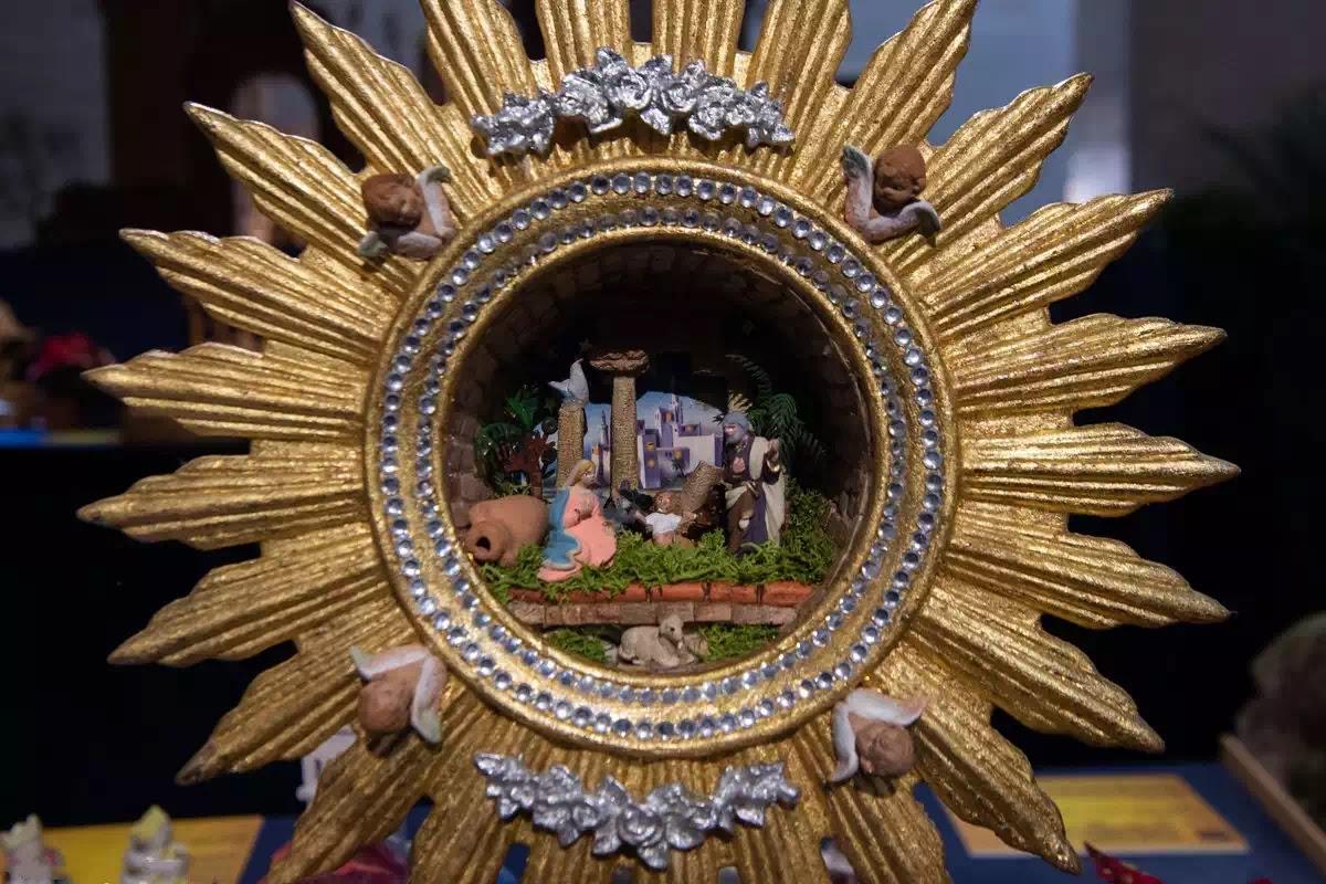 Ý nghĩa tiên trưng chỉ về bí tích Thánh Thể của máng cỏ Giáng sinh