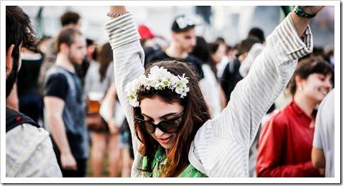29mar2013---publico-espera-shows-durante-o-festival-lollapalooza-brasil-2013-1364593941391_956x500