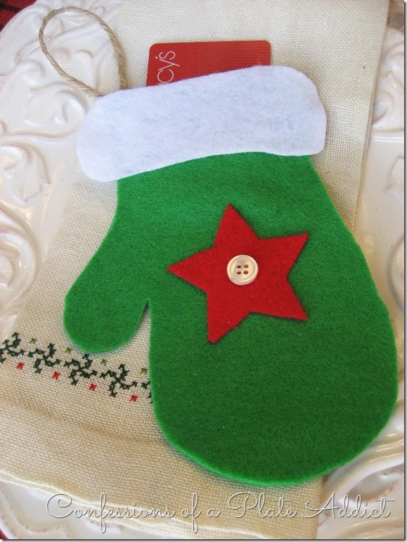 CONFESSIONS OF A PLATE ADDICT 3 in 1 Easy Christmas No-Sew Mitten