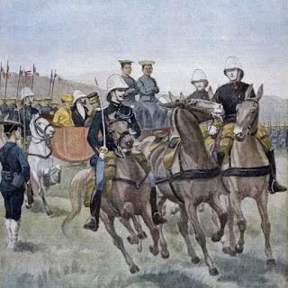 Tranh trên trang Le Petit Journal vẽ Vua Thành Thái (mặc hoàng bào) và Toàn quyền Paul Doumer duyệt binh ở Hà Nội năm 1902.