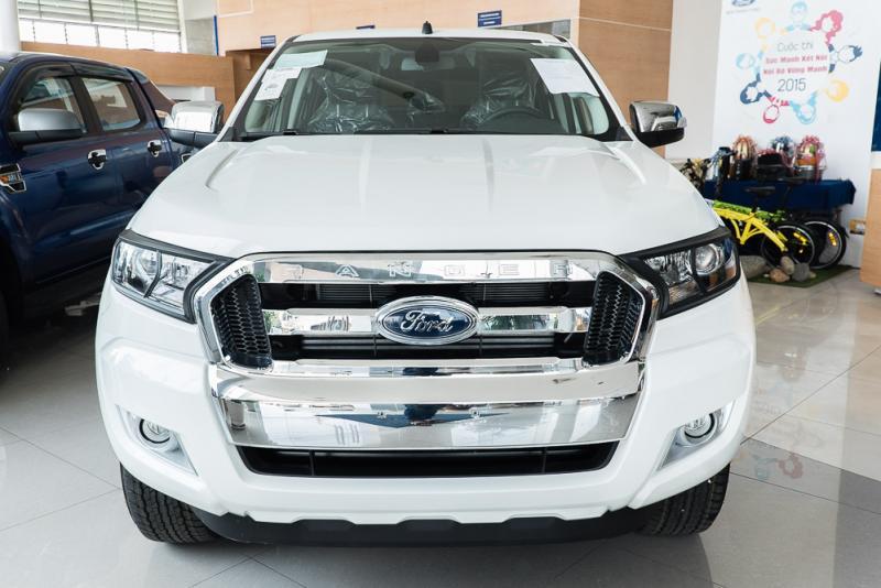 Xe Bán Tải Ford Ranger Hoàn Toàn Mới màu trắng 04