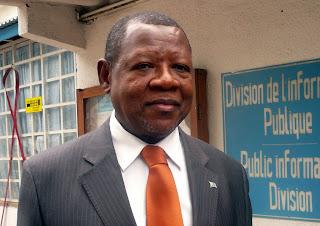 Lambert Mende Omalanga, Ministre de la Communication et des médias.