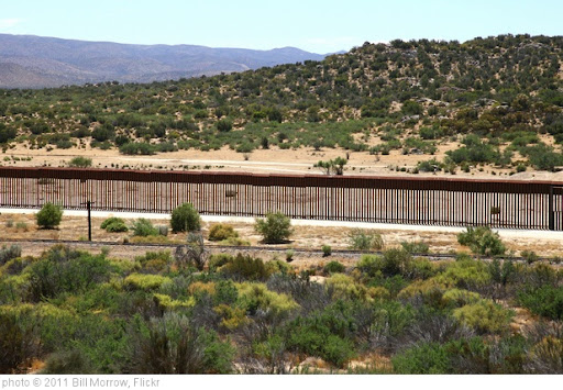 'International border fence' photo (c) 2011, Bill Morrow - license: http://creativecommons.org/licenses/by/2.0/