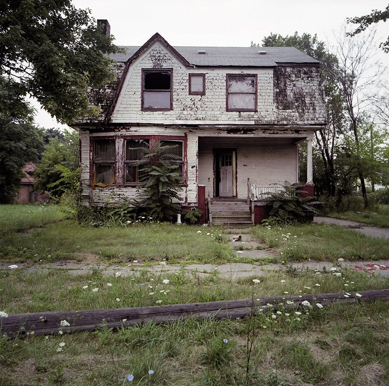 abandoned-detroit-homes17